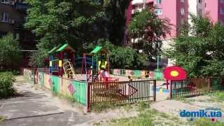 Бориспольская, 4 Киев видео обзор(Улица Бориспольская 4. 25-этажный кирпичный дом 2011-го года постройки с удобной планировкой. Зелени во дворе..., 2014-09-21T13:25:05.000Z)