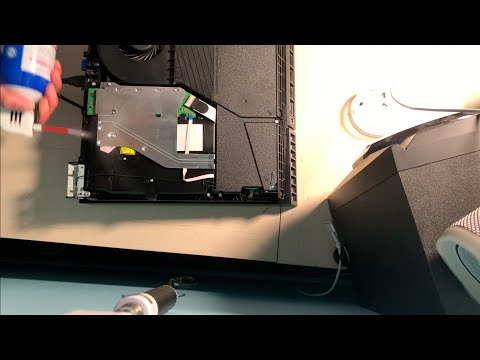 Cleaning Out My PS4 for the First Time  in 6 YEARS! (Full Tutorial)