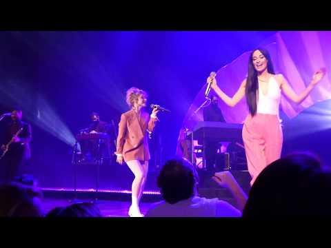 Kacey Musgraves With Hayley Williams - Girls Just Wanna Have Fun (cover)