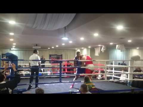 Floyd fight R1