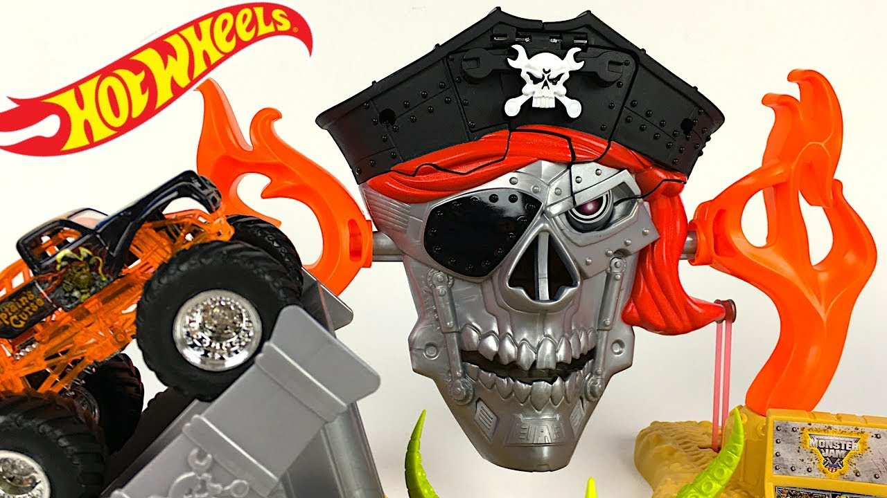 Mattel Hot Wheels Monster Jam Pirate Takedown With Captain S Curse Truck Included Unboxing Youtube