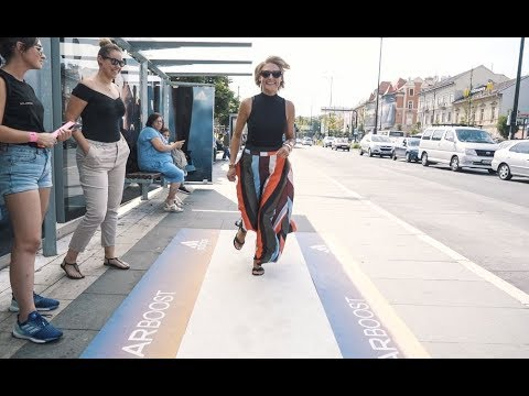 adidas running track at Budapest bus shelter | JCDecaux Hungary