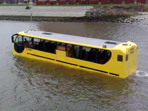 אוטובוס אמפיבי