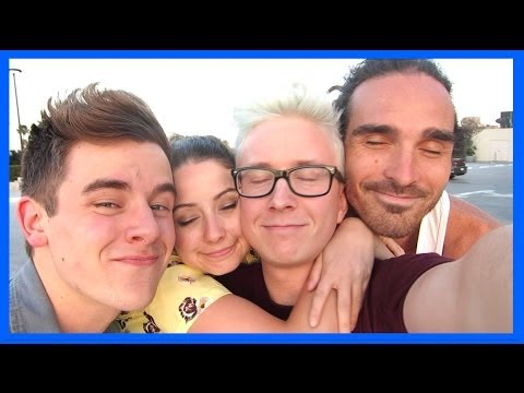 My SK8R Boifriend & Cracking Finn's Bones [VidCon 2014 Day 3] | Tyler Oakley