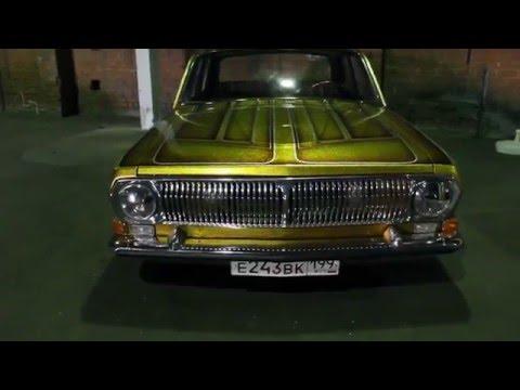 Выставка автомобилей - ретро-авто в Москве (завод Кристалл)