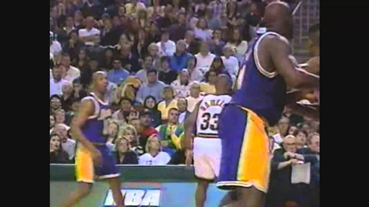 Shaquille O Neal Posterizes Dale Ellis on Alley Oop vs Sonics 98