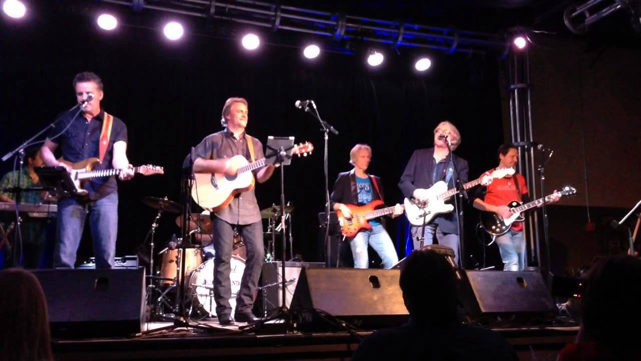 Sixwire performs (Don\'t Go Back To) Rockville with REM\'s Mi - YouTube