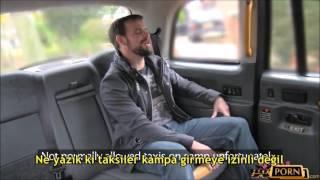 Kadın Taksi şöförü Arabasına Binen Askerle Sevişiyor Türkçe
