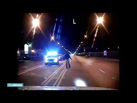 Schokkende beelden doodschieten zwarte tiener, 7 jaar celstraf agent - RTL NIEUWS
