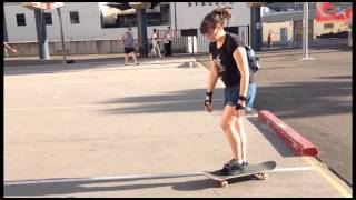 Learn to Skateboard in 30 minutes. Easy skate lesson by a girl