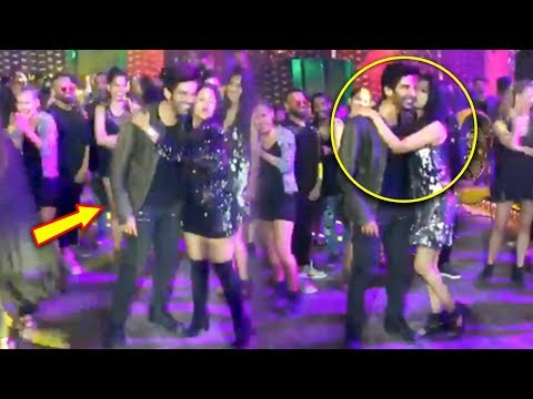 "kartik-aaryan-gets-kissed-by-females-on-the-sets-of-""dheeme-dheeme""-song-pati-patni-aur-woh"