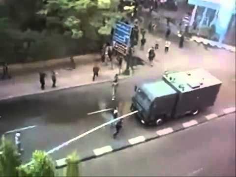 YouTube اللى ضحى بس بجد ثورة 25 يناير اغنية عمرو دياب