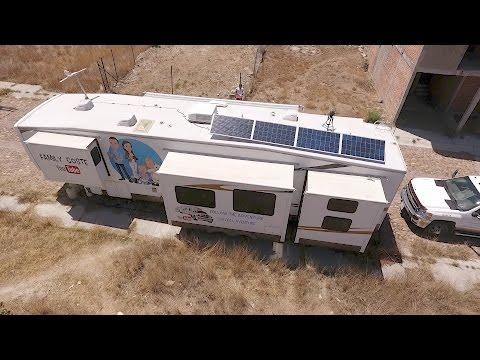 montage d 39 un kit de panneau solaire 12v doovi. Black Bedroom Furniture Sets. Home Design Ideas