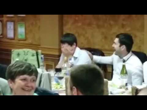 Поймала букет на свадьбе (реакция парня)