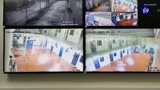 الاحتلال يقتحم معتقل عوفر وينكل في الأسرى الفلسطينيين - (21-1-2019)
