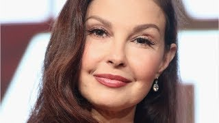 """Ashley Judd called out an act of """"everyday sexism"""" at the airport"""