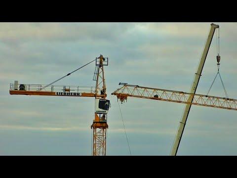 Как собирают башенный кран. How To Mount A Tower Crane.