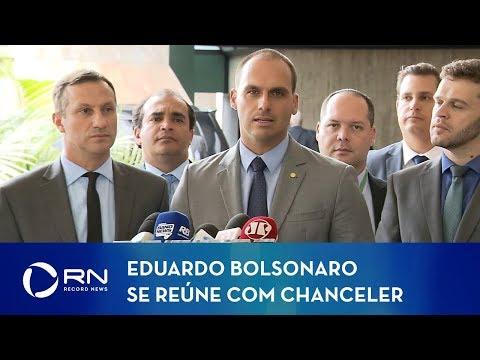 Após aval dos EUA, Eduardo Bolsonaro se reúne com chanceler Ernesto Araújo