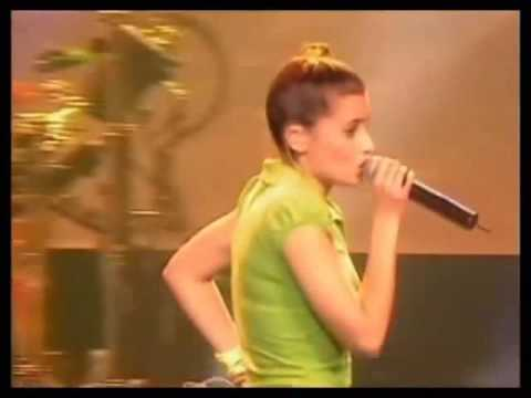 Nelly Furtado - On The Radio (Live In London 2001)