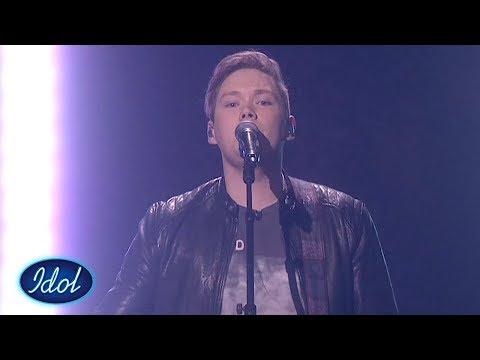 Kristian tok dommerne med storm med sin The Beatles cover   Idol Norge 2018
