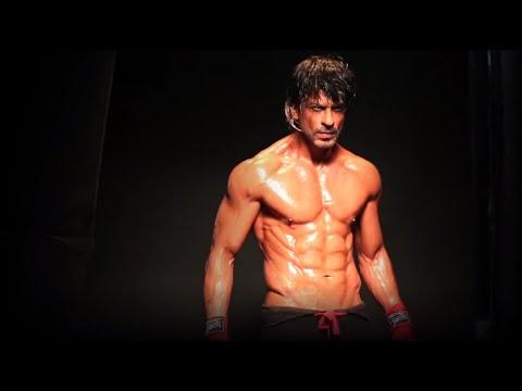 Shah Rukh Khan   H0T '8-pack' Photo Shoot   Daboo Ratnani Calender ...