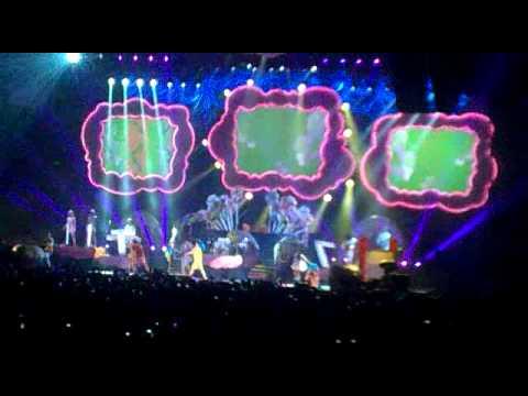 Katy Perry LIVE- Hot n Cold (Brisbane)