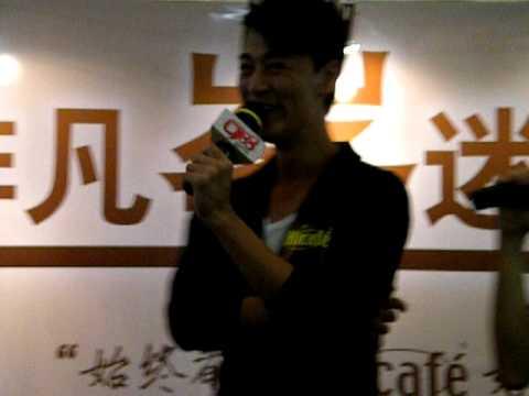 Raymond Lam 林峰 speaks hokkien @ penang ali cafe event