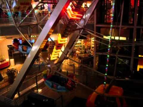 Le plus grand magasin de jouets du monde est à Times Square