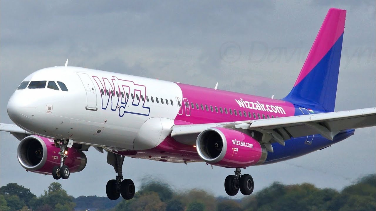 Wizzair London Luton Plane Spotting Airbus A320 Sharklets Wizz Air Wizz Com Hungary Airplanes Youtube