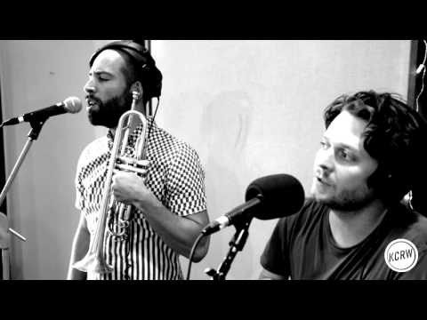 "Beirut performing ""Nantes"" Live on KCRW"