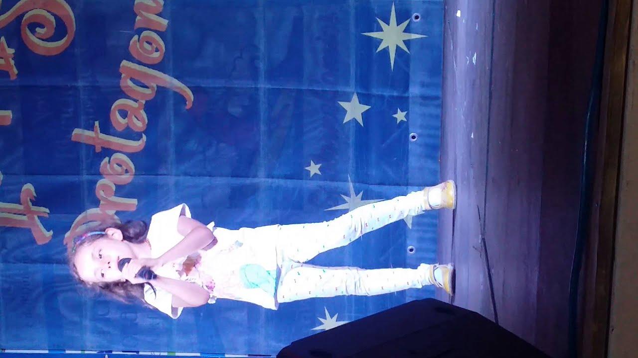 Melissa conte interpreta una finestra tra le stelle di - Finestra tra le stelle ...