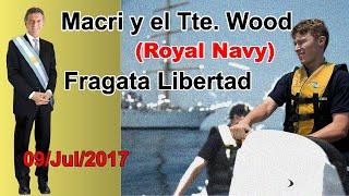Macri y el Tte Ben Wood de la Royal Navy