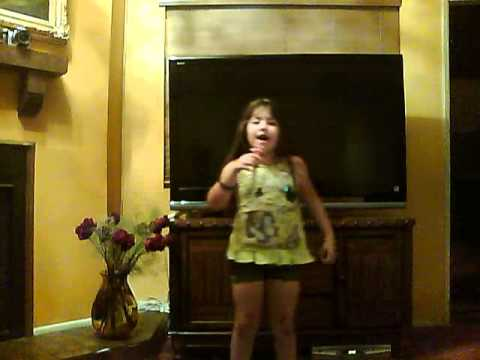 Emily singing another Italian song