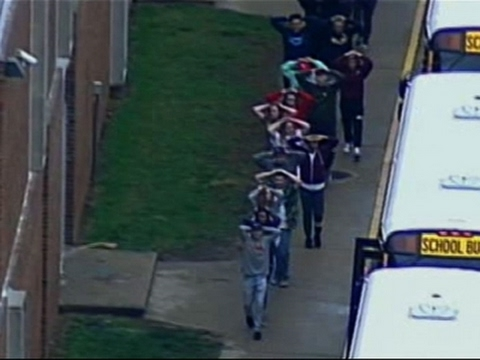 Raw: Kansas City School Evacuated After Threat