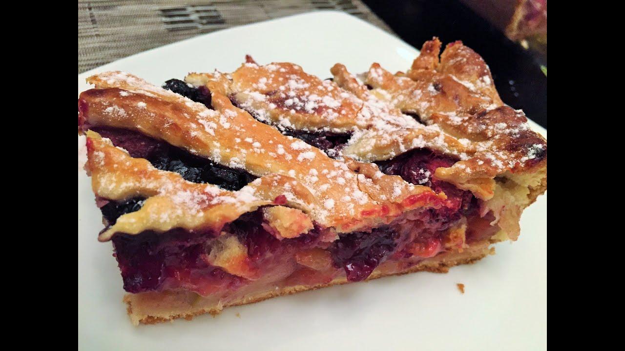 Пирог из дрожжевого теста с ягодами замороженными