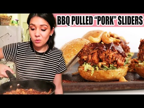 "VEGAN BBQ PULLED ""PORK"" SLIDERS made with JACKFRUIT?!?! (Does it work?!) - #TastyTuesday"