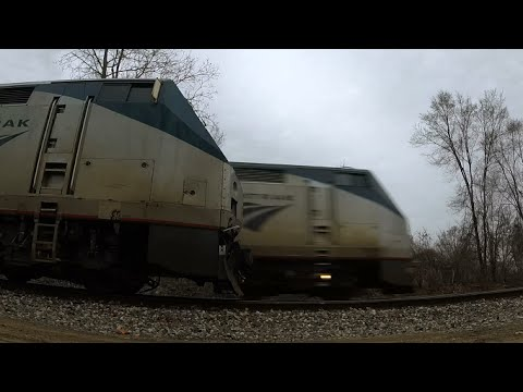 Thumbnail: Amtrak Trains Meet