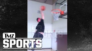 Justin Beiber's Pastor Carl Lentz Can Seriously Hoop | TMZ Sports