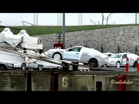 car carrier GOODWOOD D5GY7 IMO 9701140 Emden embarking brandnew Audi Porsche caterpillar