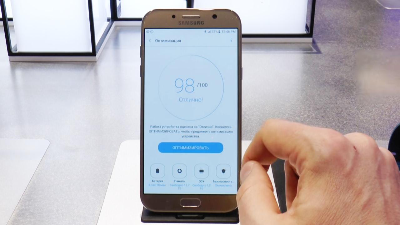 Картинки по запросу Обзор Samsung Galaxy A3 (2017): полон контрастов