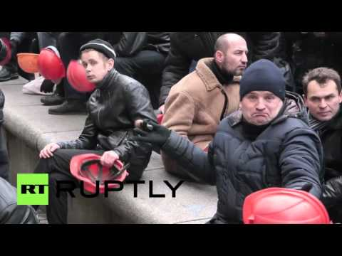 Ukraine: Miners march on Energy and Coal Mining Ministry to call for state support