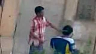 واحد ماليزى بيحلق فى الشارع فى مصر Thumbnail
