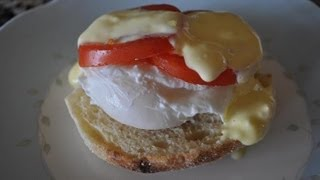 Eggs Benedict with hollandaise sauce - RECIPE Thumbnail