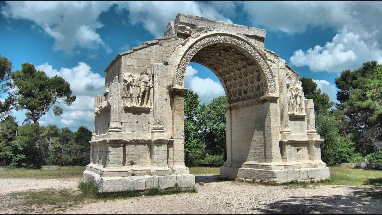 Saint remy de provence glanum saint paul de mausole for Entretien jardin st remy de provence