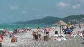 Пляж в Лоо. Горный воздух(Пляж в Лоо Горный воздух - это просторы мелкой гальки и немного песка. На пляже обустроен весь необходимый..., 2013-06-19T19:17:38.000Z)