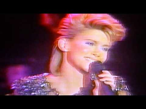 Olivia Newton-John  Country Music Medley from 1982 HBO Concert