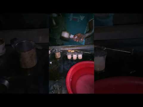 Street  tea  Maker Bangladesh গুড়া দুধ এর মালাই চা