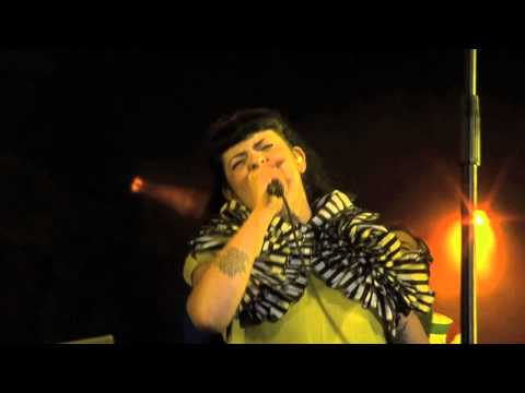 The gift (directo Vigo Transforma 2011) - My Sun