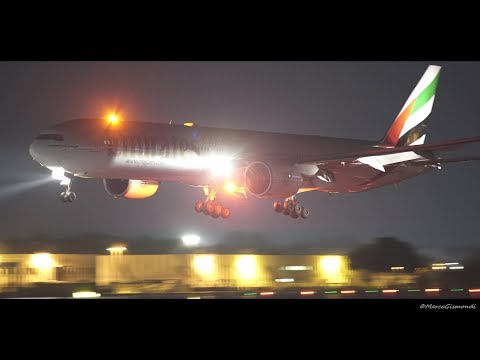 Emirates Boeing 777-300ER night landing a Rome FCO Airport • Sony a7s