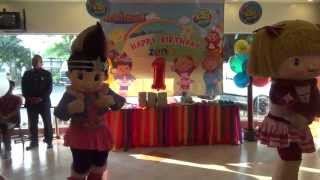 Jollibee and friends at Zia's 1st Birthday